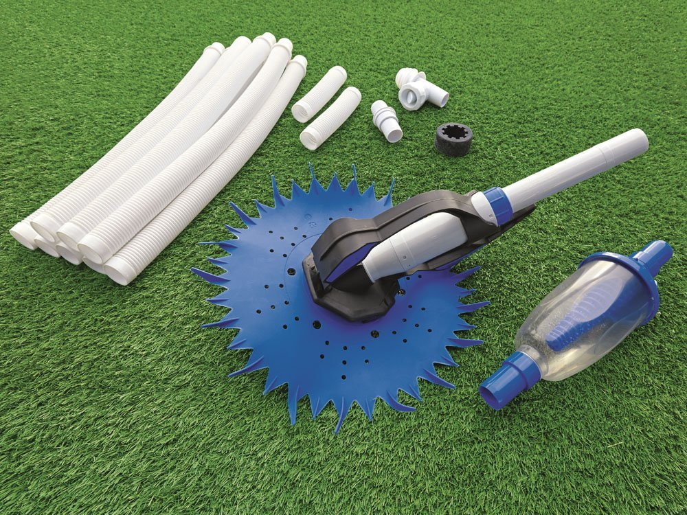 how to clean swimming pool with vacuum