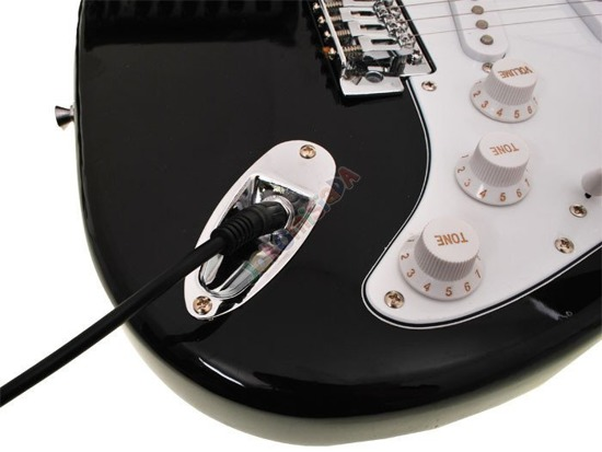 Rookie Rock ELECTRIC GUITAR + AMPLIFIER IN0035