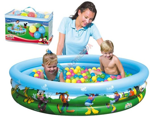 Sensational POOL with balls 75p. DISNEY BA0008