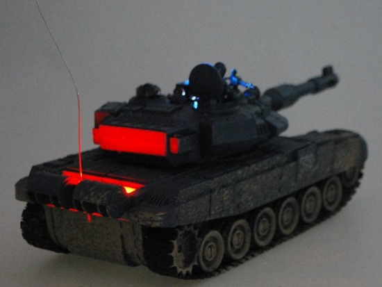 Controlled TANK T90 shoots rides lit RC0373