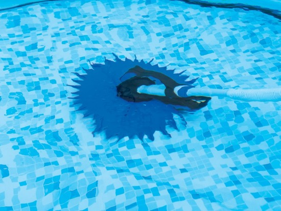 Bestway VACUUM CLEANER to clean the bottom of the pool 58339