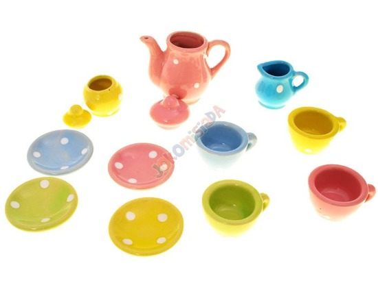 Cups plates dishes set to play ZA1320