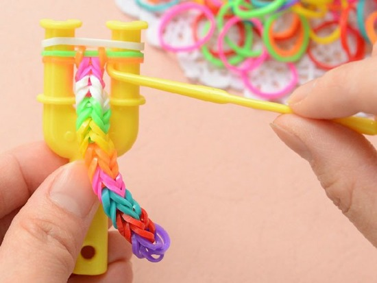 Erasers Rainbow Band Loom grated 200p ZA0994