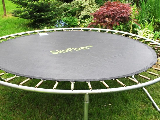 MAT jumping - 16FT trampoline